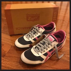 Onitsuka Tiger grey pink ivory reptile sneaker 8.5